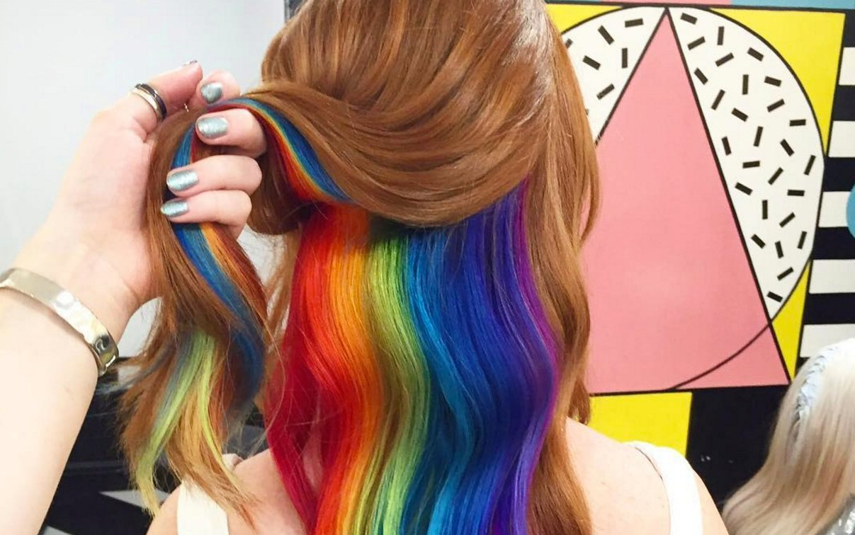 прически из пучков на средние волосы с бубликом